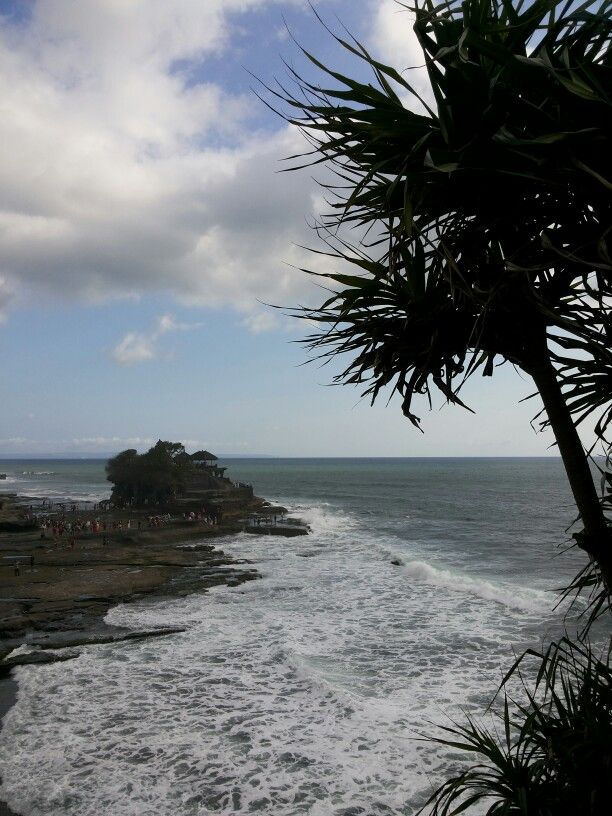Tanah Lot, Bali.. an hour before sunset..