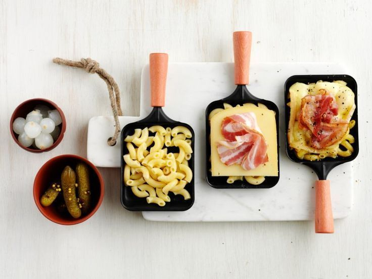 herzhafte Muffins mit Hähnchen, Käse und Tomaten