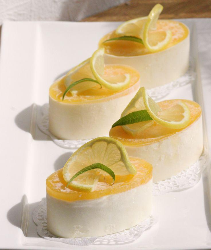 Zitronentörtchen mit Boden, Zitronensahne und Zitronen-Orangenspiegel - http://zeitlos-brot.de/?p=2982