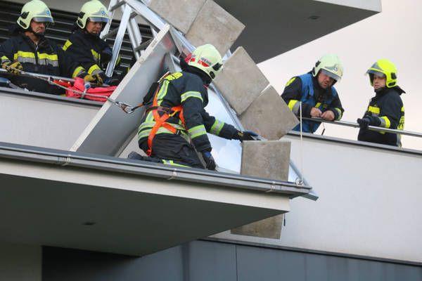 Laxenburg: Photovoltaikanlage droht abzustürzen