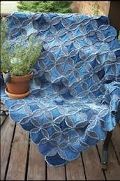 Cute quilt pattern w/ recycled denim -