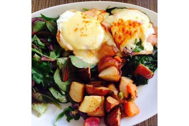 ハワイの朝ご飯といえば、エッグベネディクト!