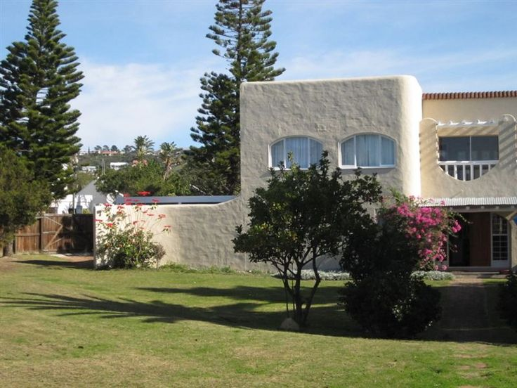 Lagoon House - Lagoon House is situated in one of South Africa's premier destinations, Plettenberg Bay, along South Africa's popular Garden Route.  The house has a unique character which embodies privacy, combined ... #weekendgetaways #plettenbergbay #gardenroute #southafrica