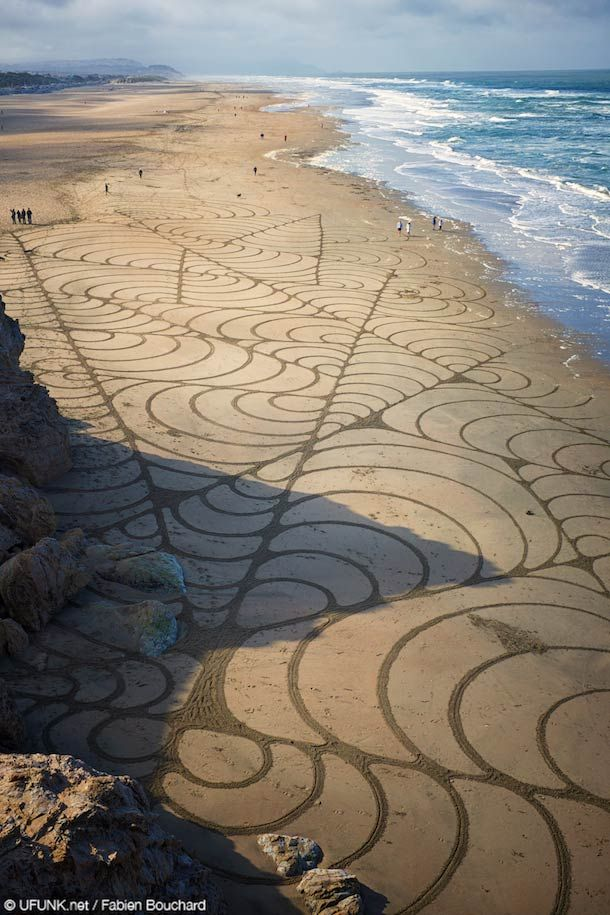 Sand Art - A huge temporary installation on the beach in San Francisco ...
