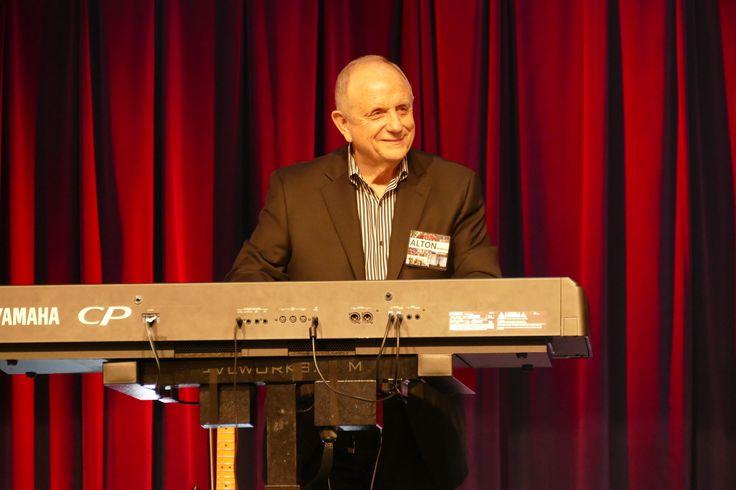 Assemblies of God USA Assistant General Superintendent Alton Garrison led worship at a PCCNA meeting.