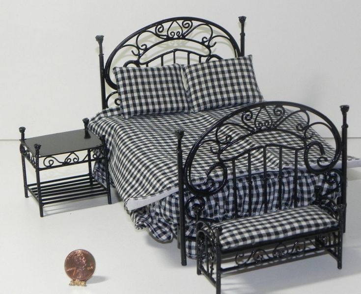 Dollhouse Miniature Double Bed Black Iron with Bench and Nightstand 1:12 Scale #TownSquare
