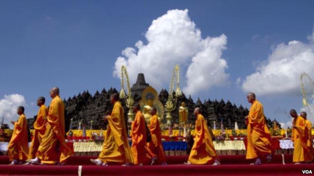 visit Vesak day celebrations at the Borobudur temple