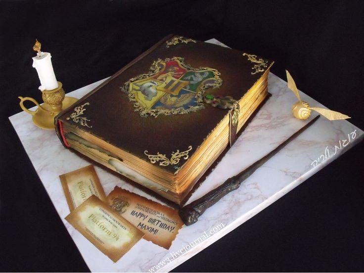 95 best Harry Potter Theme Cake images on Pinterest Harry potter