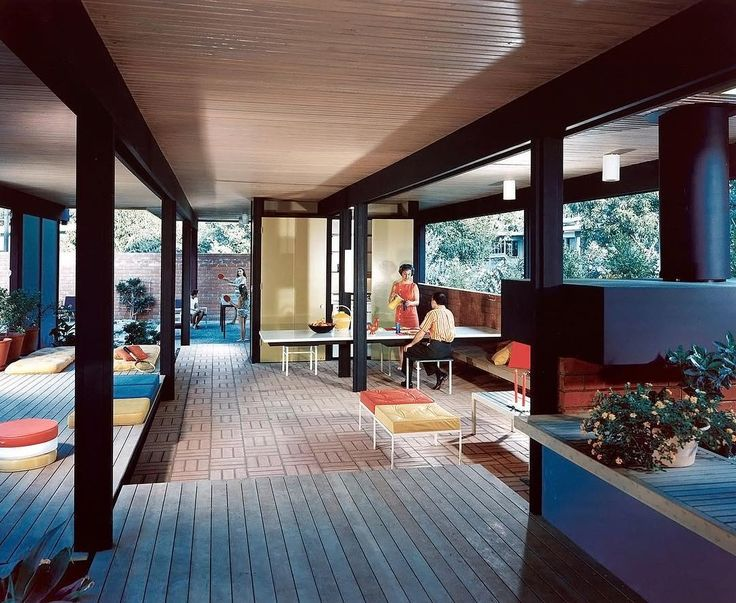 The 'recreation pavilion' of the Mirman Residence. Located in Arcadia, California it was designed by Buff, Straub, & Hensman and completed in 1959. Photo: #juliusshulman #mcmdaily #buffstraubandhensman #usa🇺🇸 mcmdaily.com