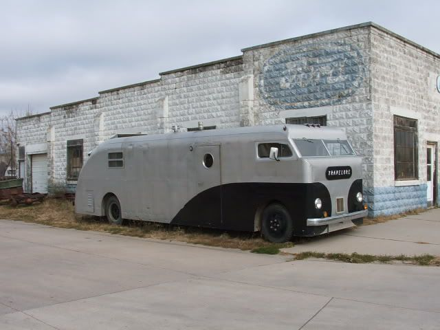 Cool Vintage Motorhome - THE H.A.M.B.