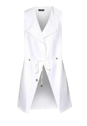 Throw on this Dorothy Perkins jacket and look your best when you step out the door. Shaped with sleeveless silhouette and relaxed side seams, this…
