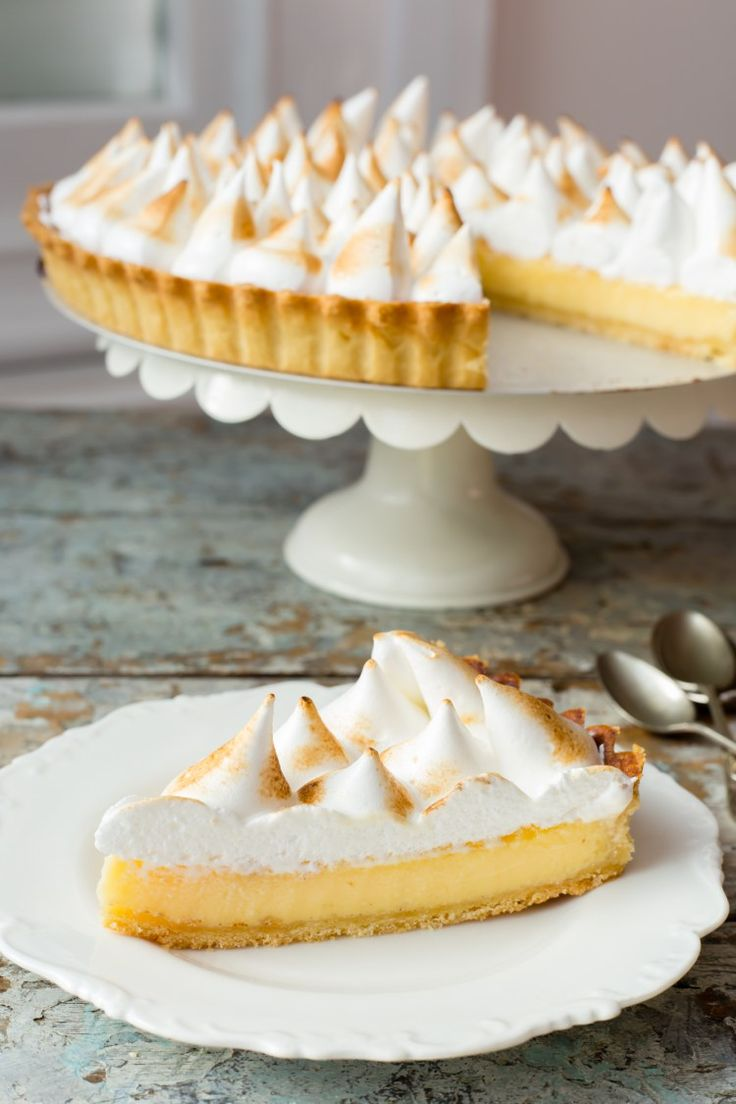 What a gorgeous Thermomix lemon meringue pie. Perfect meringue recipe...
