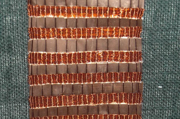 telar en cobre y lana