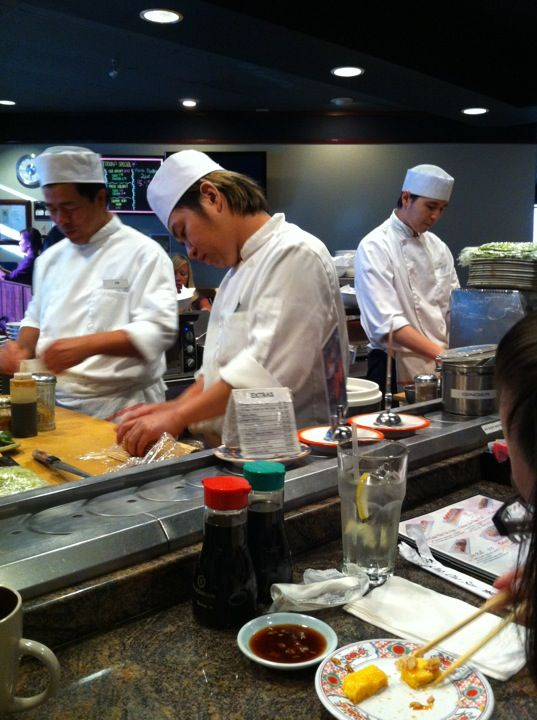 Revolving Sushi in Tarzana, CA  - good reviews for late night eating open til midnight mon-thu, fri-sat 1:30am, sun 10:30pm open late
