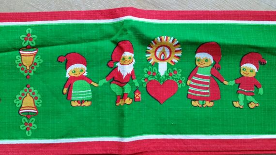 Wonderful cloth or runner that fit equally well for everyday as for Christmas. In very good vintage condition. Design from Sweden retro,
