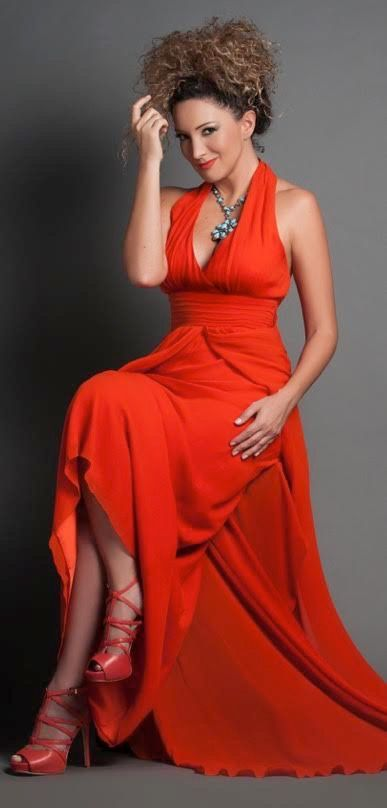 """La panameña Erika Ender está nominada en los Latin Grammy con su álbum """"Tatuajes"""", 2017."""