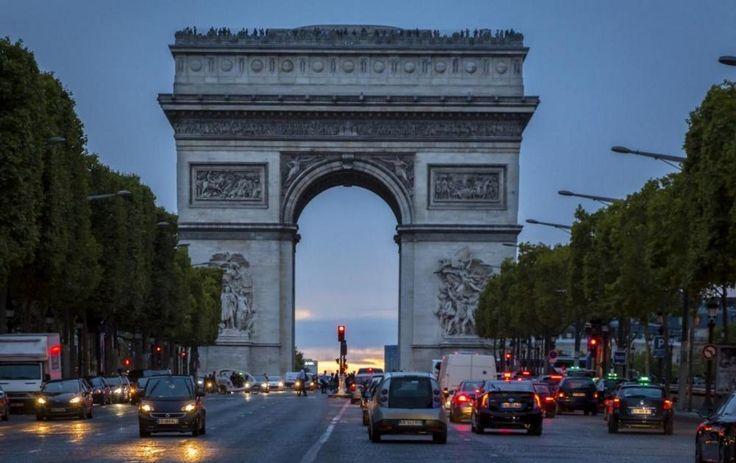 Paris, France - Find Cheap Flights: http://666travel.com/cheap-round-trip-flights-from-melbourne-australia-to-paris-france/