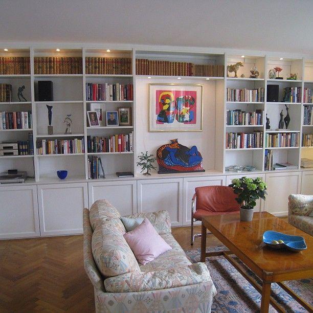 #platsbyggdbokhylla #bokhylla #bookshelf #inredning platsbyggd bokhylla i Skanör. www.platsbyggdbokhylla.se
