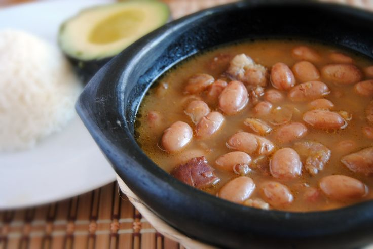This is a delicious recipe of Colombian beans... Click for english- Receta Para Hacer Fríjoles Colombianos - Cómo Hacer Fríjoles Colombianos...