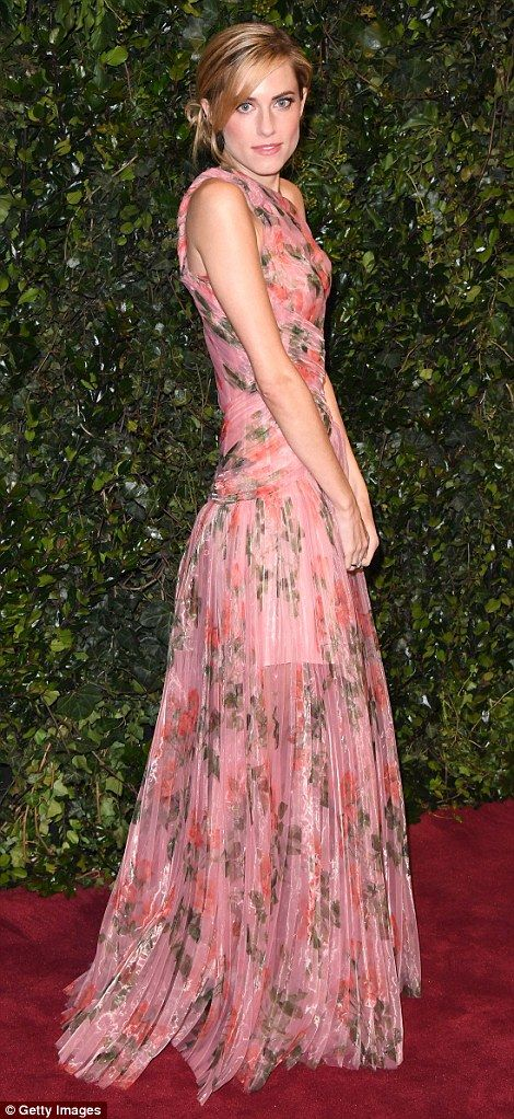 Incoming:Allison Williams sported a soft pink evening gown at the star-studded event on S...