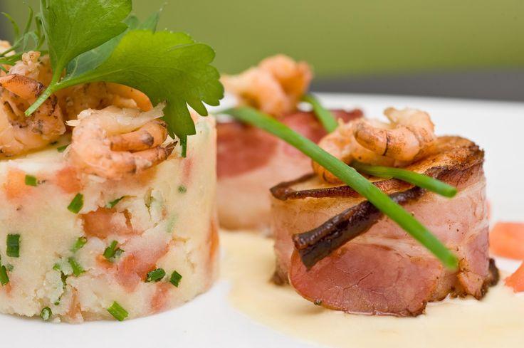 Recepten - Praline van sint-jakobsvrucht met Vlaams ovengebakken spek, geplette aardappel, bieslook en blanke botersaus