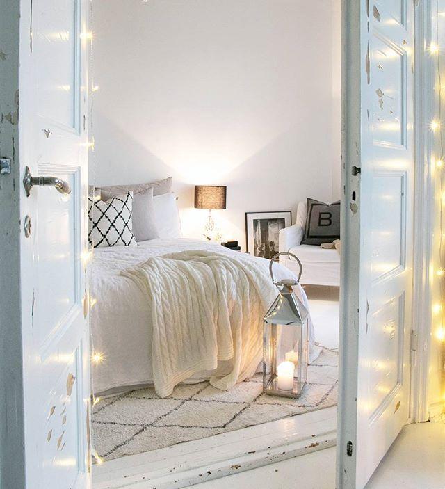 // Have a slow & cozy Sunday ☕ // . . . . . . . . . . #homestyle #bedroominprogress #Interior#interiordesign #interiorstyling #Interior125#interior4all#interiorinspiration#interior123#homedecor #inredning #whiteinterior#interior_and_living #interiors#scandinavianinterior#likeforlike#like4like#interiørmagasinet #bedroom#interior4you #nordiskehjem #interiorforinspo #instahome#interiors #passion4interior #interiores#interior2you#skandinaviskehjem #interior_and_living…