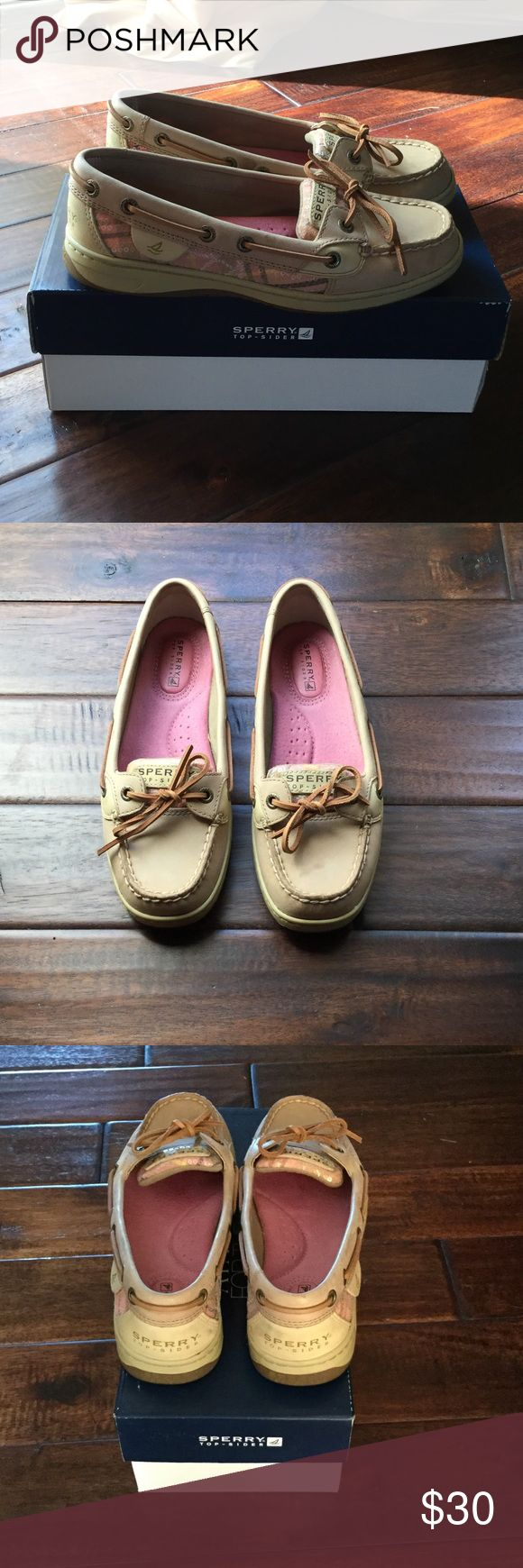 ❗️FINAL❗️Women's Sperry boat shoes 💥FINAL SALE💥 These are super comfy and cute! The specific style is Angelfish Linen/Coral. They do have a couple of scuffs that you can see in the pics, but only noticeable up close. Sperry Top-Sider Shoes Flats & Loafers