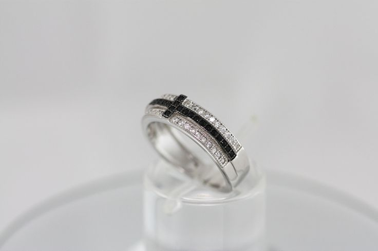 Silver 925 platinum plated with zircons