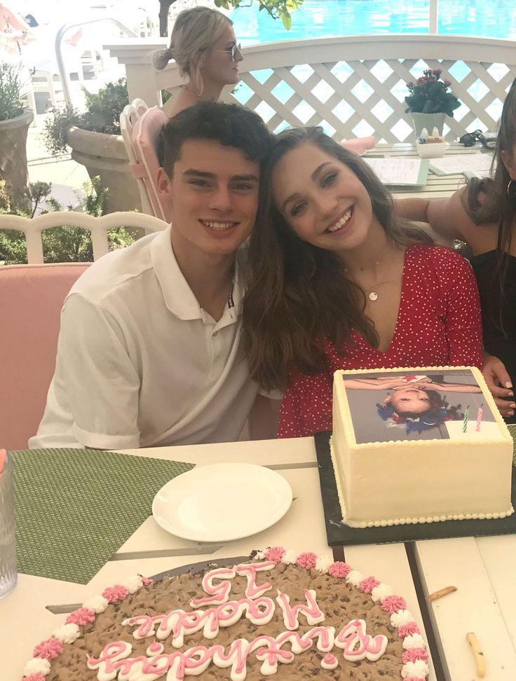 #Birthday, #Boyfriend, #MaddieZiegler Maddie Ziegler - Celebrates Her 15th Birthday With Her Boyfriend 09/30/2017 | Celebrity Uncensored! Read more: http://celxxx.com/2017/10/maddie-ziegler-celebrates-her-15th-birthday-with-her-boyfriend-09302017/