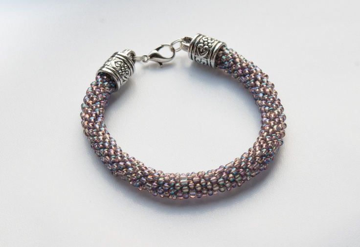 Hand made jewellery; bead crochet bracelet www.facebook.com/BizuteriaLowyt