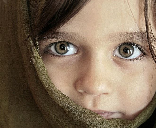Cute little girl with huge eyes (people, portrait, beautiful, photo, picture, amazing, photography)