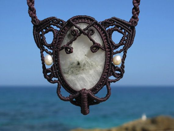 Big Moonstone healing stone macrame necklace with pearls