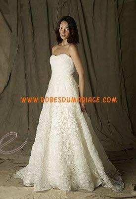 Lela Rose sans bretelle robe de mariée bustier glamour évasé ornée de perle organza