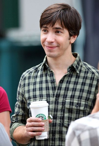 Justin Long...with Starbucks :)