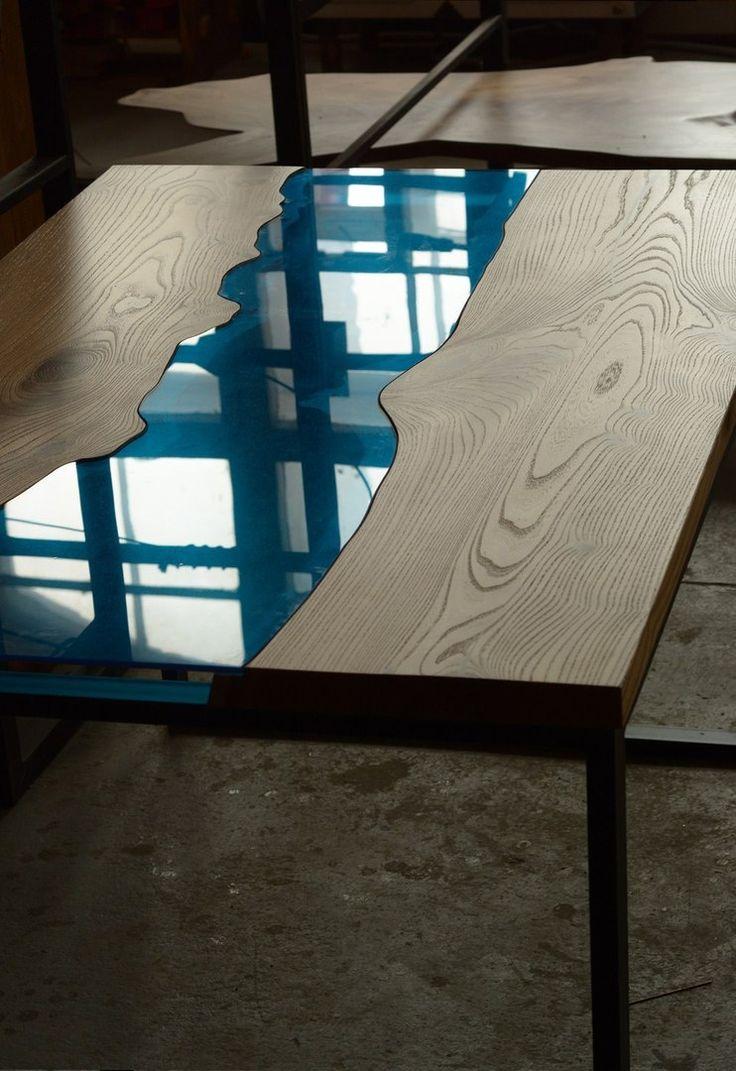 Не смог пройти мимо фотографий работ питерской столярной студии«Derevoteka», столы зацепили буквально с первого взгляда, я восхищен изяществом и естественной простотой линий, текстурой, сочетанием материалов. Впрочем, смотрите сами: