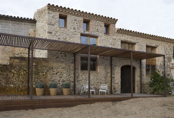 Priorat House-Old mill-warehouse transformed into cozy home
