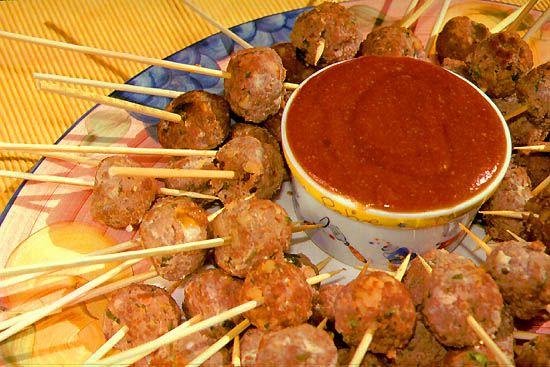 Salsa agridulce es una receta para 4 personas, del tipo , de dificultad Muy fácil y lista en 10 minutos. Fíjate cómo cocinar la receta. ingredientes - ¼ tazas de agua - 3 cucharadas de azúcar - 1 cucharada de vinagre de arroz - ½ cucharadita de aceite de sésamo - 3 cucharaditas de ketchup - maicena - salsa de soja - sal