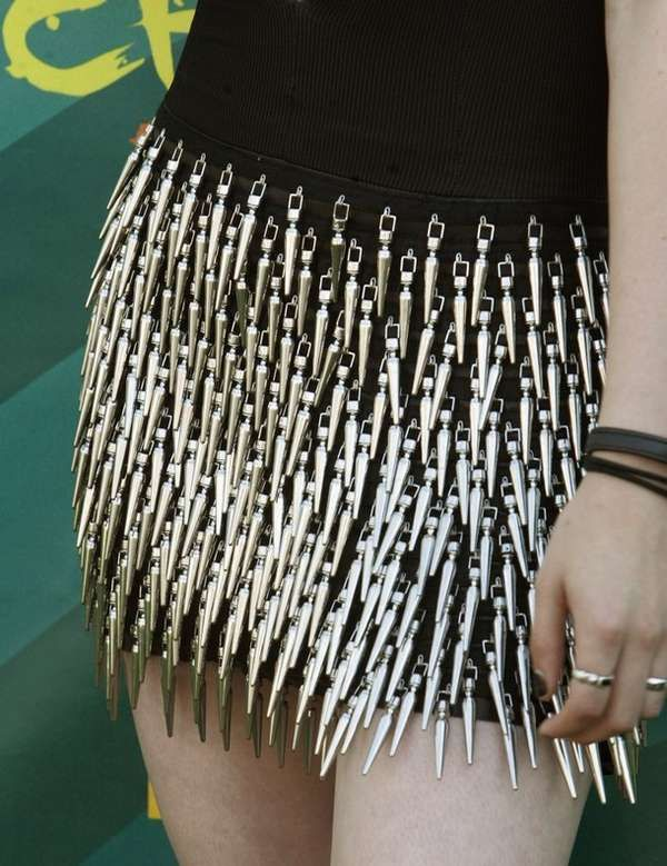 Punk-Rock Award Fashion - A Sharp Kristen Stewart in Rock & Republic Spike Dress (GALLERY  i fucking want this skirt soooo bad