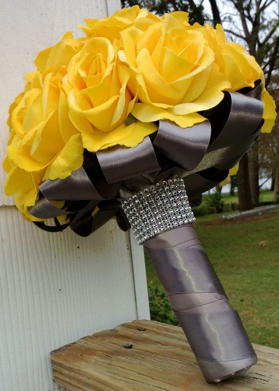 Not a fan of the flower itself, but I love the ribbon and rhinestones.