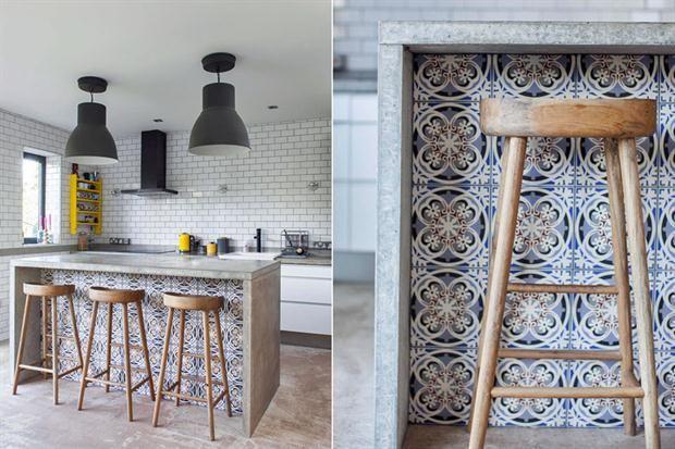 8 ideas para una barra en la cocina ¡Miren qué lindo queda el revestimiento símil mosaico calcáreo combinado con el cemento alisado!. Foto: Rockmystyle.co.uk