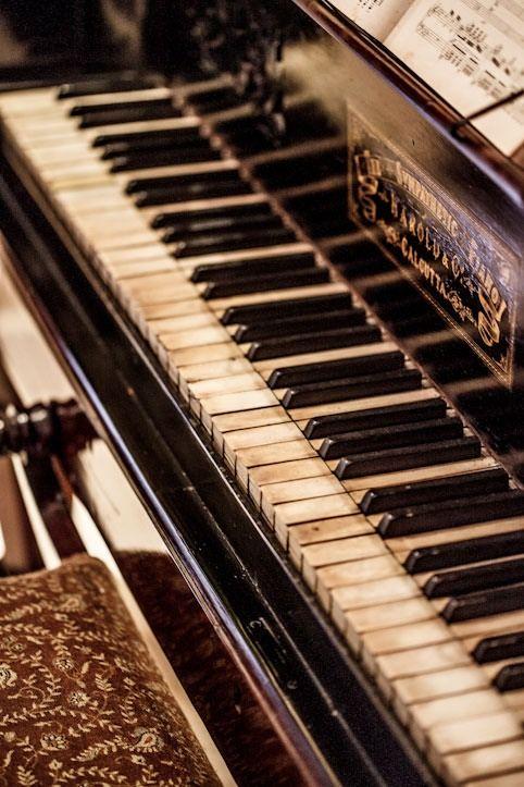 ~Antique Piano