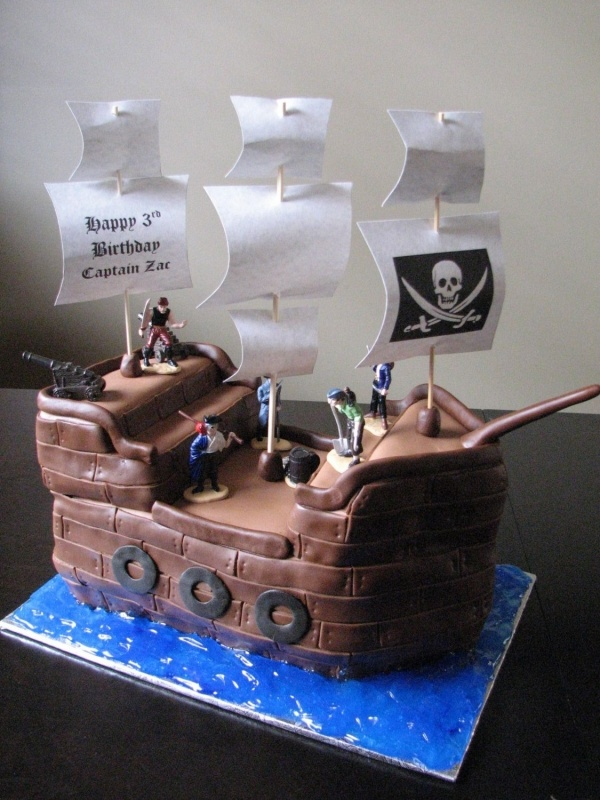 pirate cake - love the sails on this one