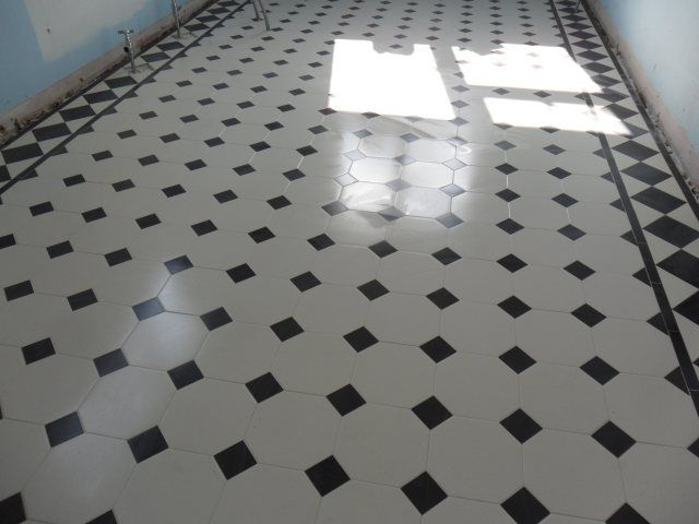 Geometric Floors Victorian Bathroomnautical