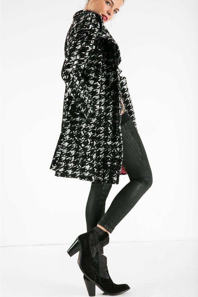 Manteau femme Desigual, craquez sur le Manteau Lorena Desigual avec imprimé pied-de-poule prix promo Desigual 199.00 €