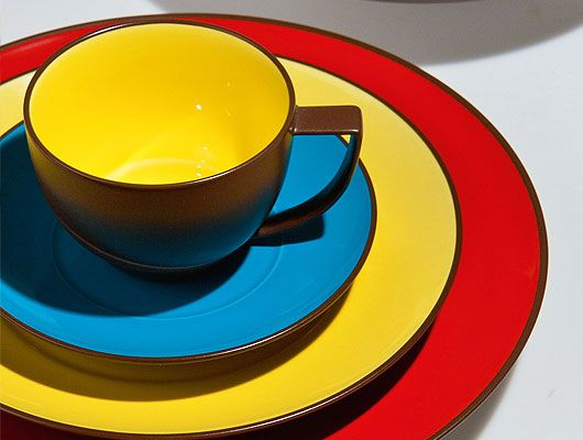 Waechtersbach Duo Two-Tone Dinnerware Sets. Mix of porcelain and glazed ceramic. Chocolate brown exterior with a bright pop of color inside. & 56 best A Colorful Kitchen images on Pinterest | Dishwasher ...