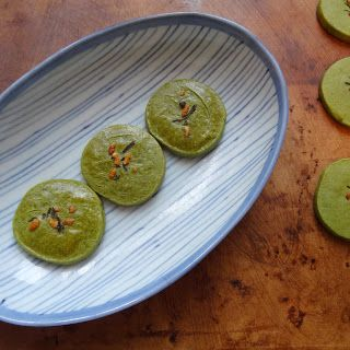 Miss Mochi's Adventures: Matcha Shortbread Cookies