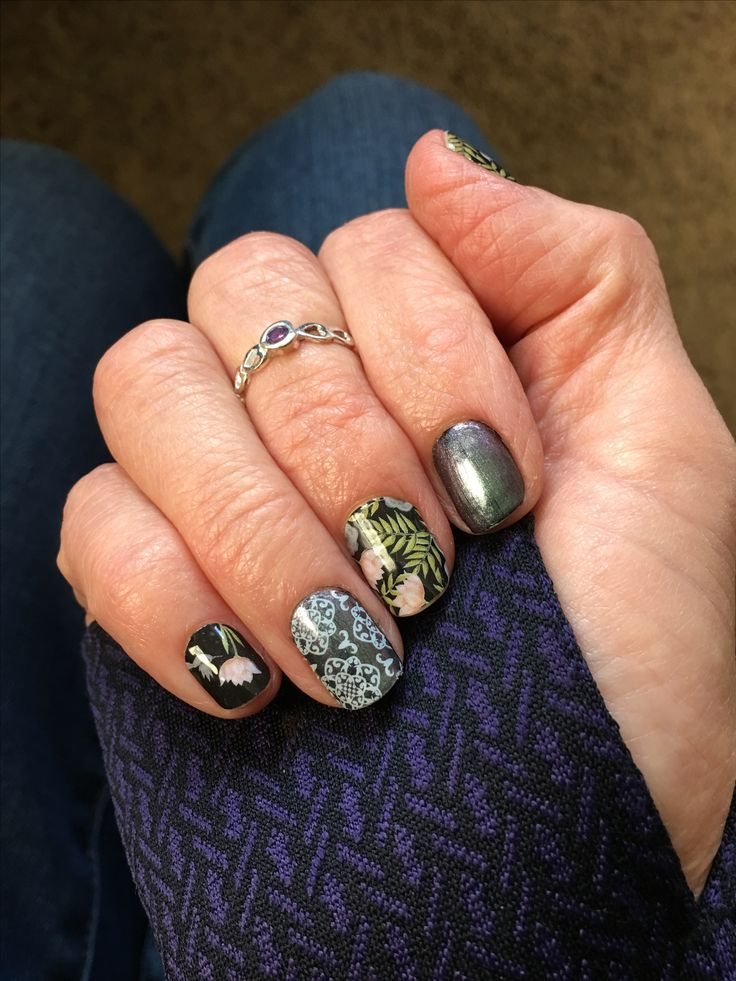 Jamberry Abalone Lacquer over Raven Lacquer is just like having a black pearl manicure.  Pictured here with January SSE 2016 called Happily Humming and Grenada. #AbaloneJN #RavenJN #HappilyHummingJN #GrenadaJN @jamberrynails #TrushineGelJN #nailshrine #nailart #nailwraps