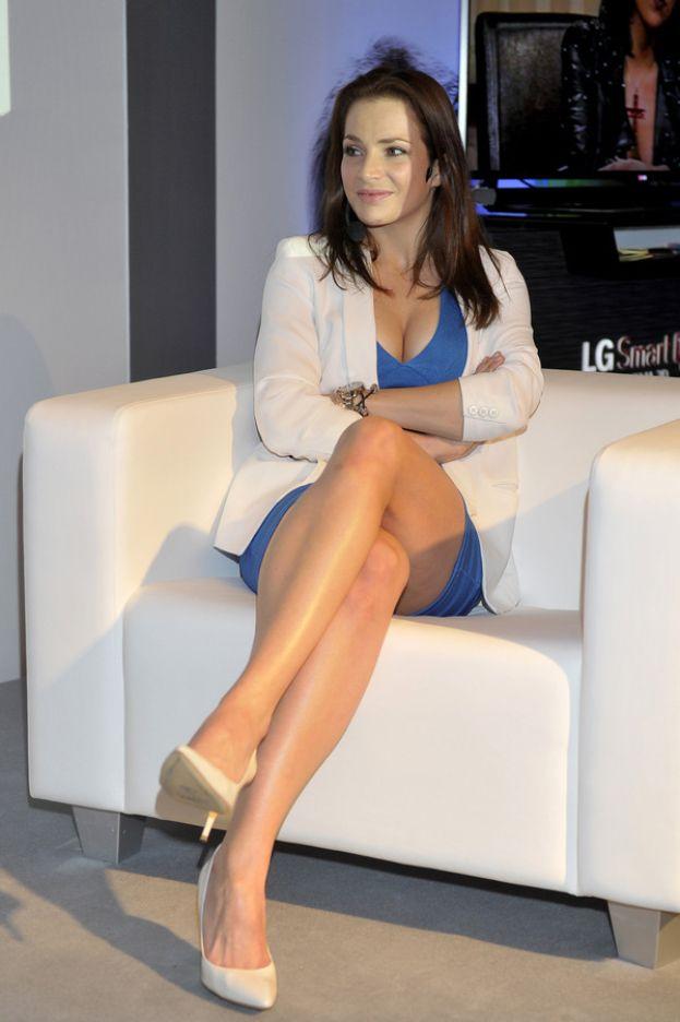 Anna Dereszowska pokazuje nogi! SEKSOWNA?