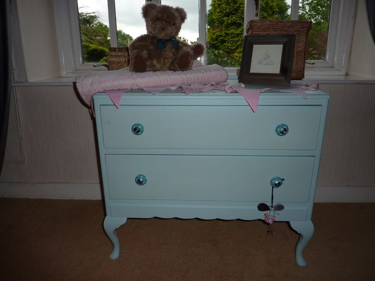 Child's set of Drawers
