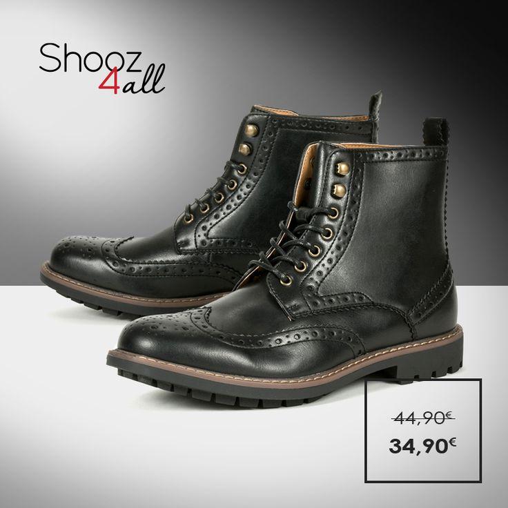 Μοντέρνα και εντυπωσιακά ανδρικά μποτάκια σε μαύρο χρώμα. Από άριστης ποιότητας συνθετικό δέρμα, με σόλα από εύκαμπτο και αντιολισθητικό υλικό. http://www.shooz4all.com/el/andrika-papoutsia/oxford-andrika-mpotakia-q55-7f9-65e-detail #shooz4all #oxford #mpotakia